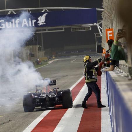 Daniel-Ricciardo-GP-Bahrain-2015-fotoshowImage-48906546-858530