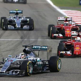 Lewis-Hamilton-GP-Bahrain-2015-fotoshowImage-64c476bf-858541