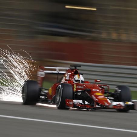 Sebastian-Vettel-GP-Bahrain-2015-fotoshowImage-d77c9801-858527