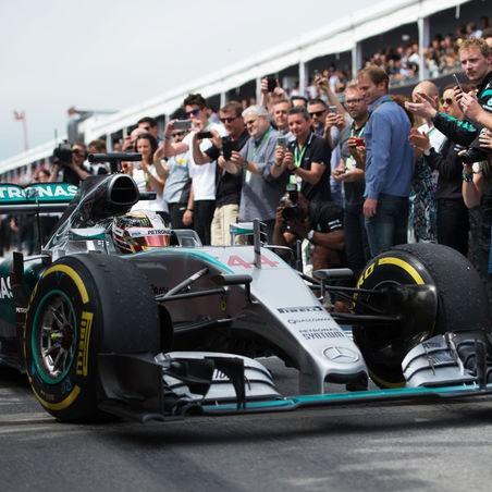 Lewis-Hamilton-GP-Kanada-2015-fotoshowImage-af0253bb-871139